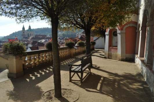 _Prague_bench_fall_3