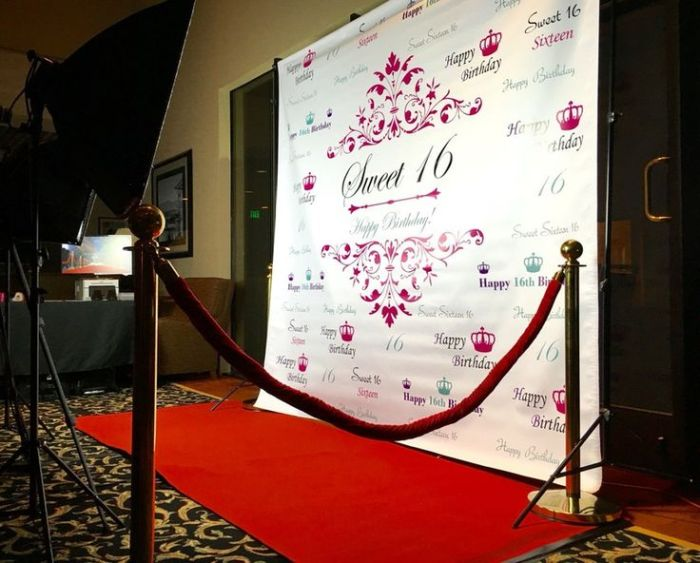 How to choose the perfect Step and Repeat Backdrop