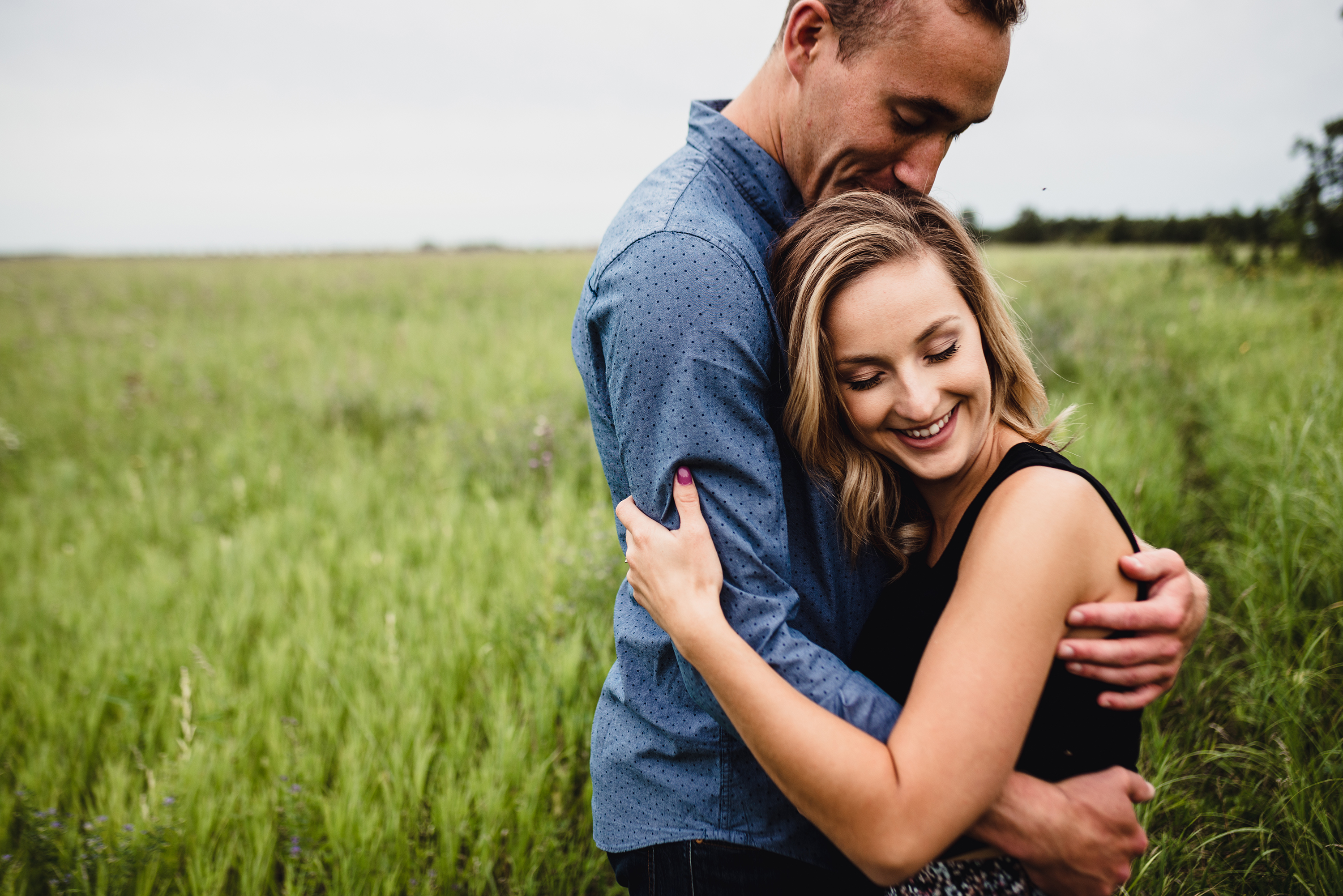 courtney-phil-engaged-winnipeg-beaudry-park-wedding-engagement-photographer