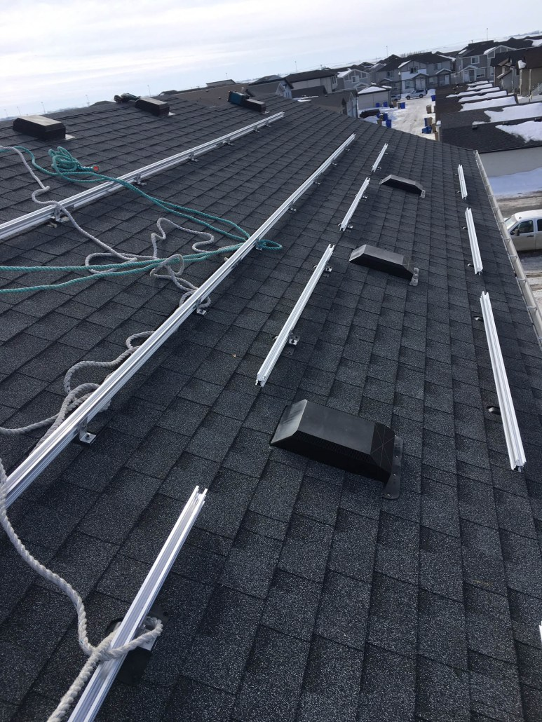 solar panels installed in weyburn, swift current, Estevan, Yorkton