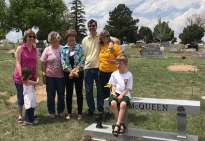 Tie a yellow ribbon Memorial Day