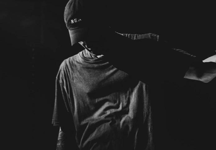NF - Leave Me Alone