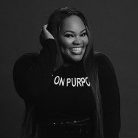 [MUSIC] Tasha Cobbs Leonard - Royalty