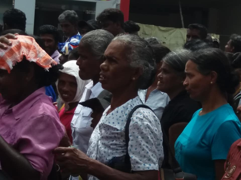 Estate Workers demanding Rs. 1,000