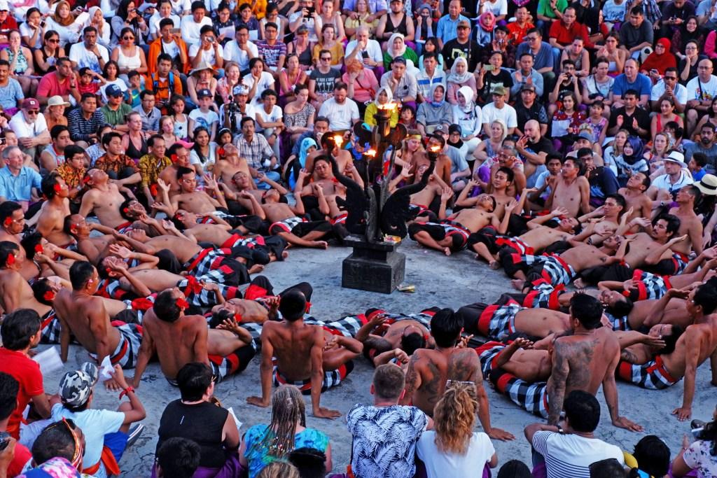 Tari Kecak Sebagai Tradisi Keagamaan di Bali