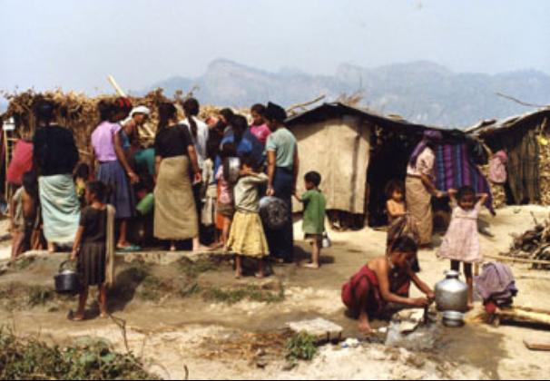 A pathetic scene of refugees in Maidhar refugee camp in 1992.(photo:flickrs)