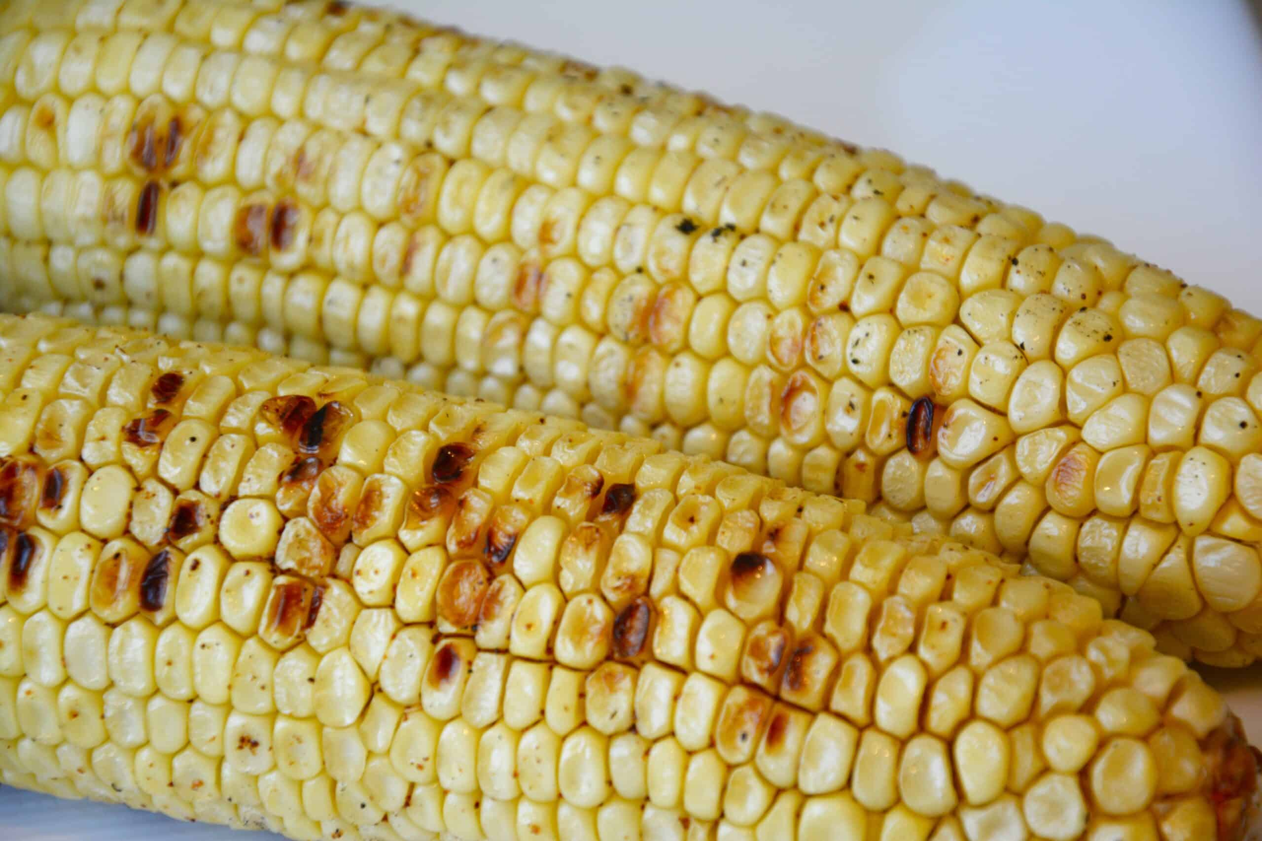 Grilled Corn on the Cob - pralinesandgreens.com