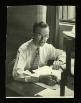 ケネス・E. コルトン