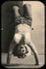 Marilyn-Monroe-Headstand-Shirsasana-IV