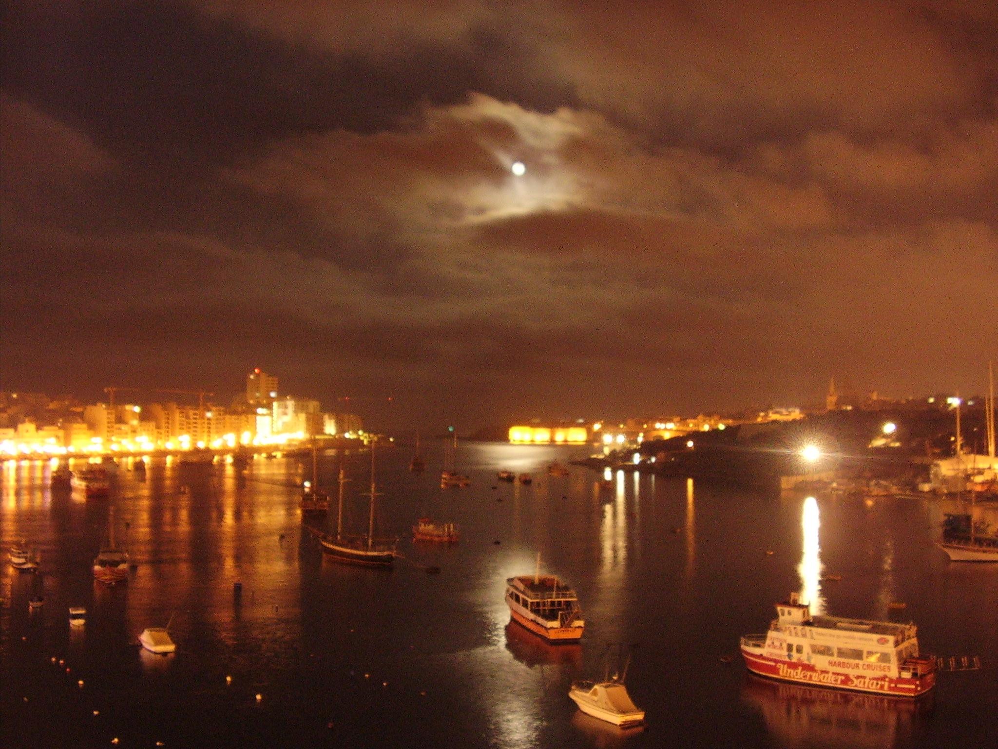 Moonrise at The Strand-Malta