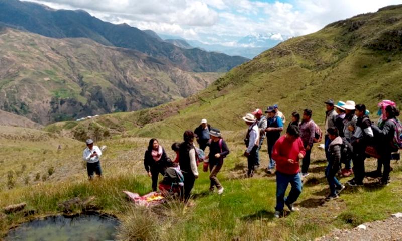 Plantean alternativas para conservar los ecosistemas de montaña desde la cosmovisión andina