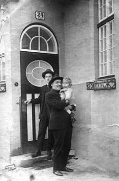 v.l.n.r.: Sohn Albert, Alexander Kobelkoff und Enkelsohn Alexander