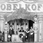 Nikolai Kobelkoff und Ehefrau Anna auf der Reise mit der Schaubühne