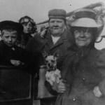 v.l.n.r.: Enkelsohn Albert, Enkeltochter Helene, Nikolai Kobelkoff und Ehefrau Anna