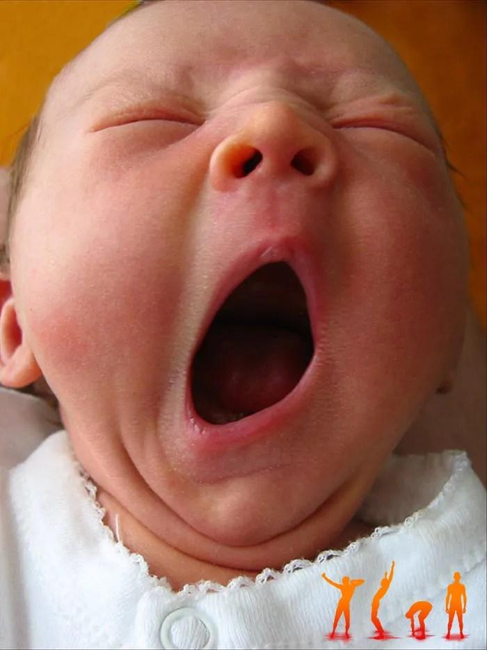 Sbadiglio-contagioso-bambino-pratica-bioenergetica