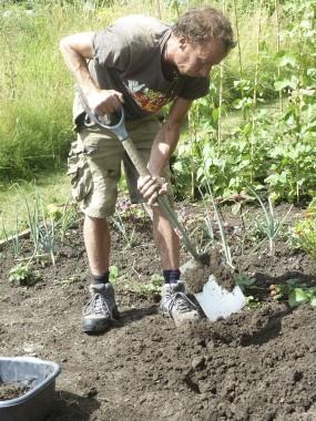 Paul Wilson digging