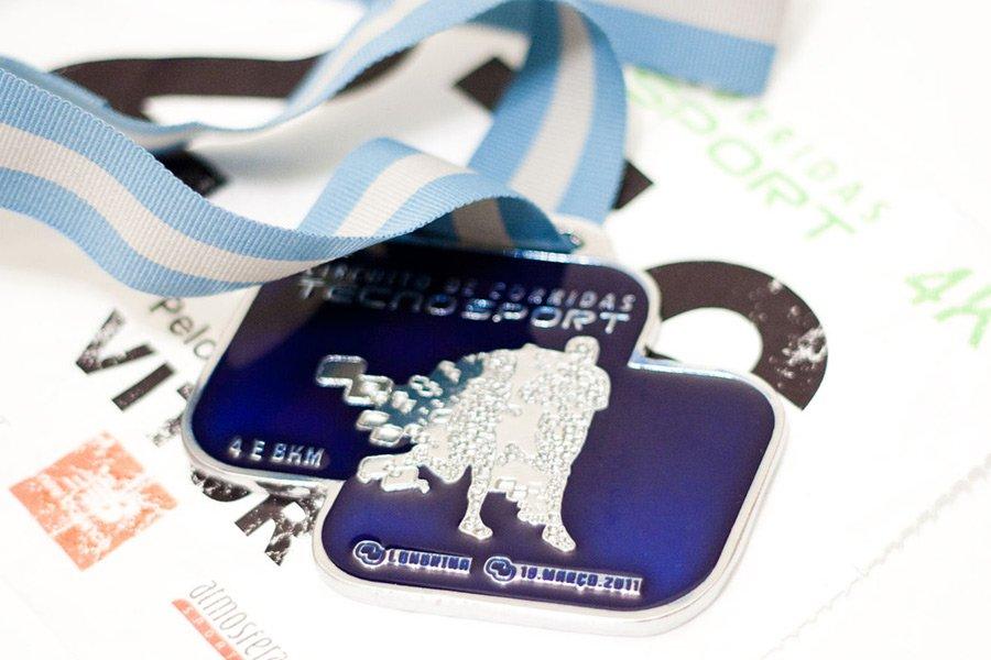 Detalhe de medalha de corrida de 4K
