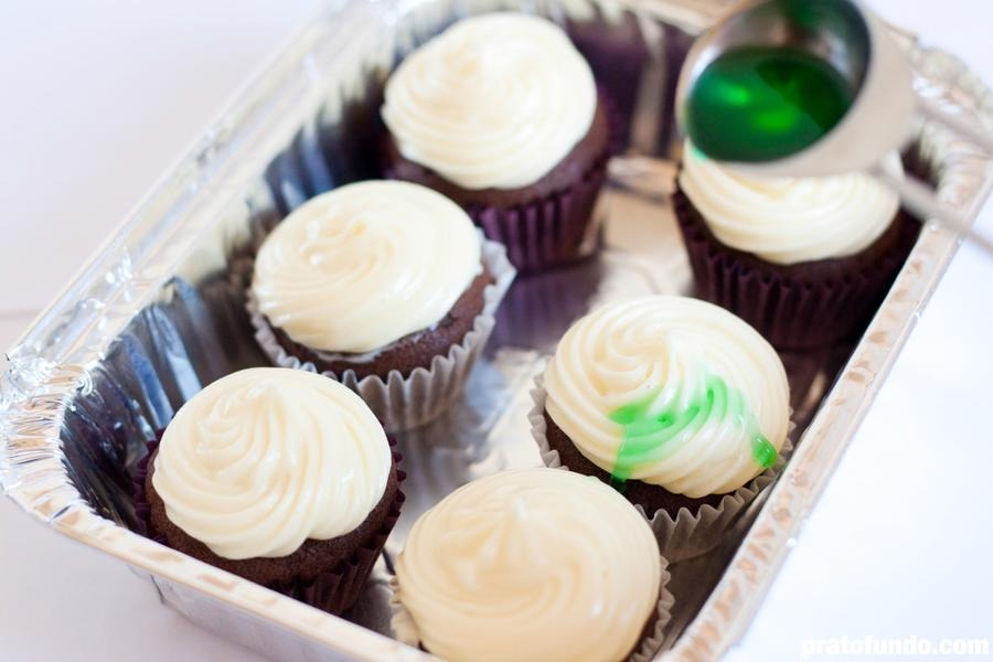 Cupcake de Chocolate, Cream Cheese e Menta por PratoFundo.com