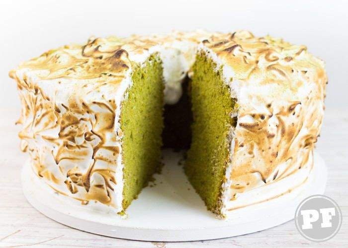 Bolo Chiffon Cake de Matcha e Merengue Suíço