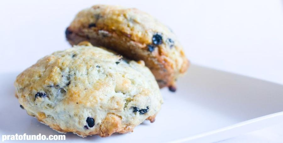 Scones de Blueberry e Chocolate Branco