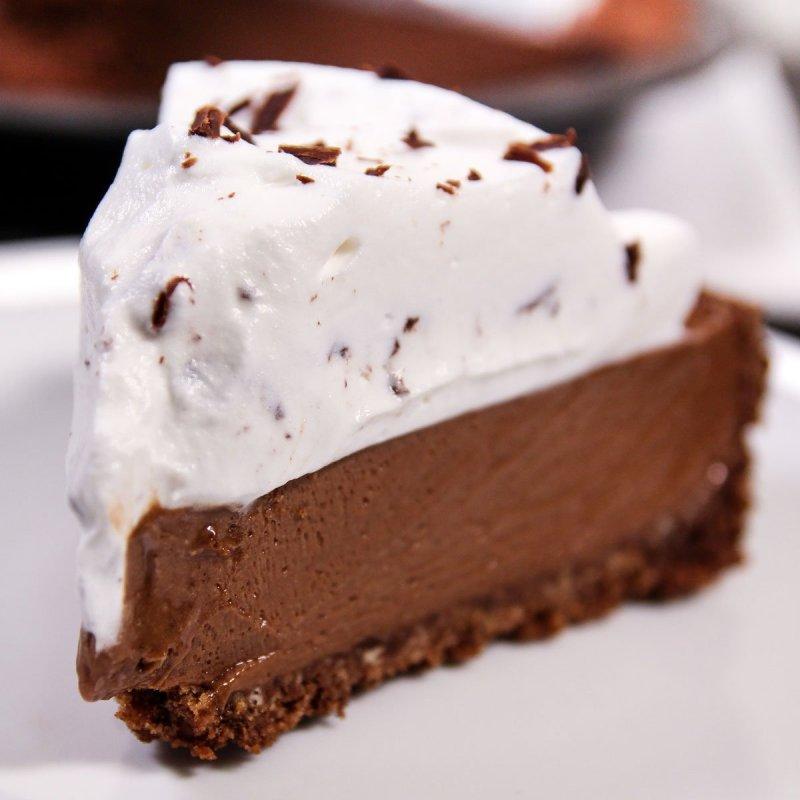 Fatia de Torta Mousse de Chocolate.