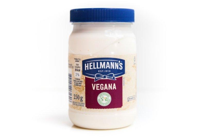 Pote de maionese da Hellmann's vegana vista de frente