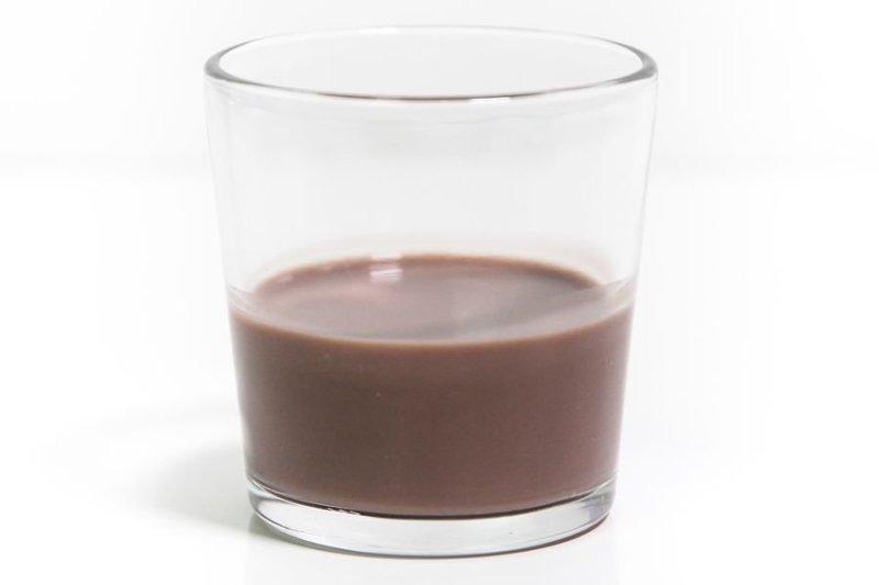 Not Milk: Bebida Vegetal Chocolate em um copo