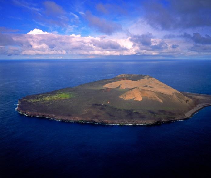 Surtsey es la única isla del planeta que desde su nacimiento, fue protegida y convertida en un enorme laboratorio al aire libre.