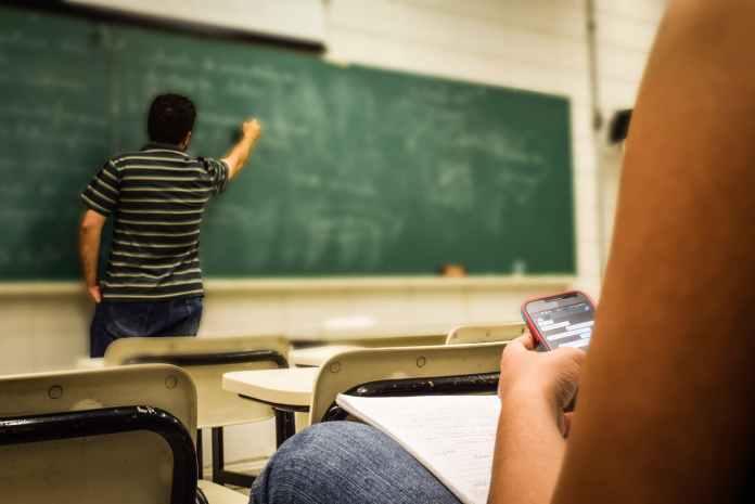 cellular-education-classroom-159844