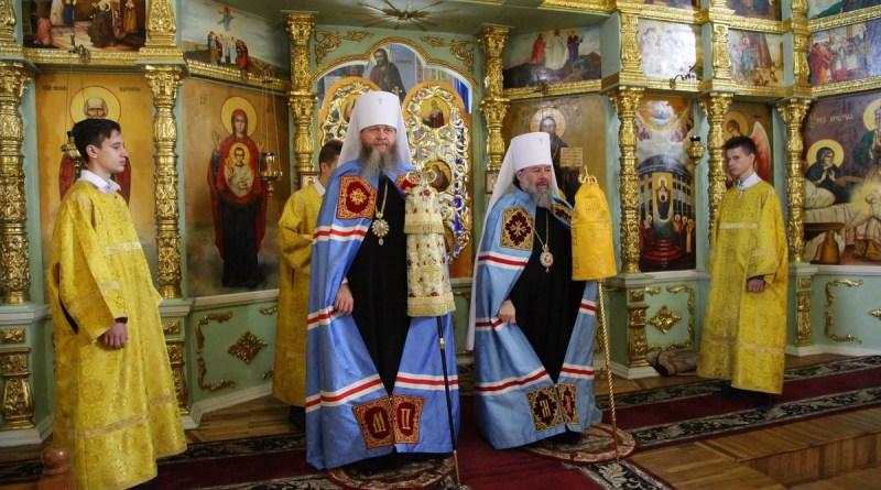 Архипастыри Луганщины совершили соборное богослужение