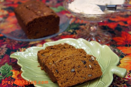 sliced pumpkin bread cr cheese
