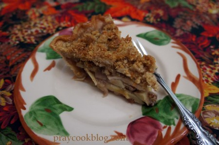apple crumb pie fork