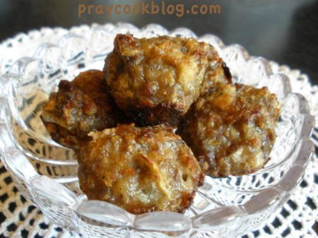 apple-sage-sausage-balls-1024x768