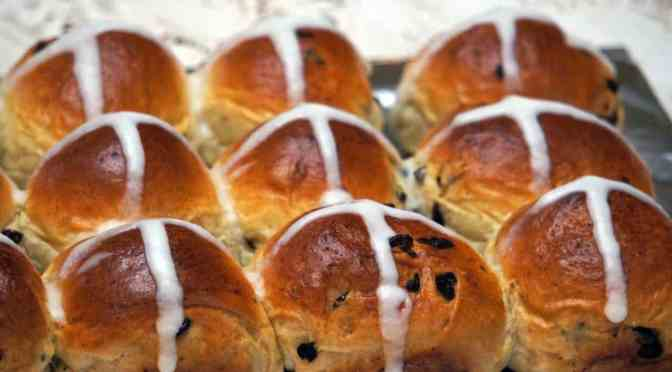 Hot Cross Buns for Easter Dinner