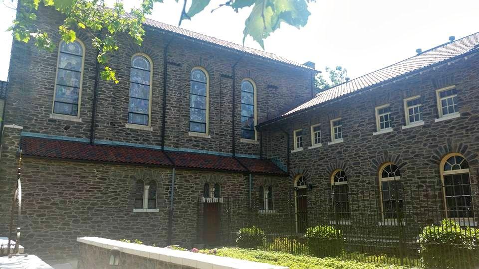 Carmelitecourtyard1.jpg