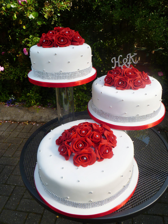 Red And White Wedding Cake Ideas Wedding Cake