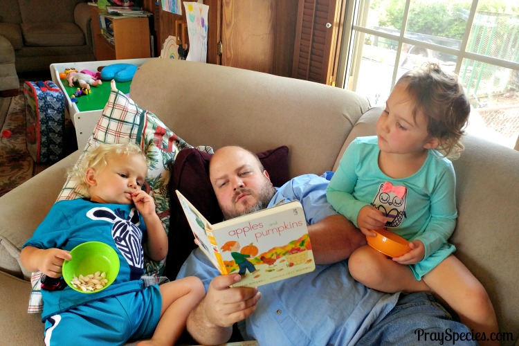 apples-and-pumpkins-with-daddy-reading
