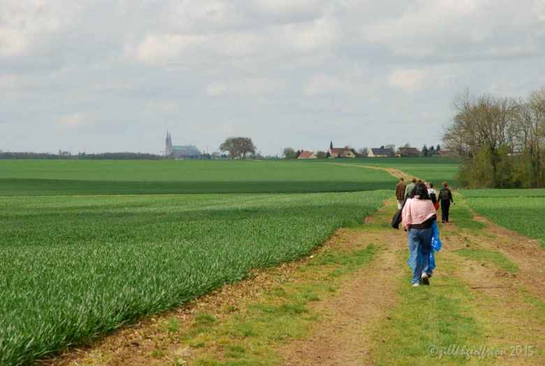 Walking from Bercheres-les-Pierres to Chartres