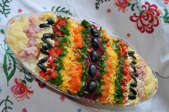 Яркий салат пасхальное яйцо