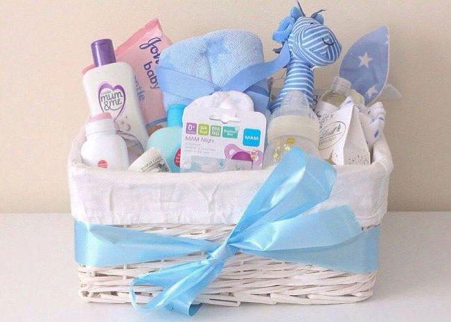 Что можно подарить новорожденному ребенку мальчику и девочке 👶