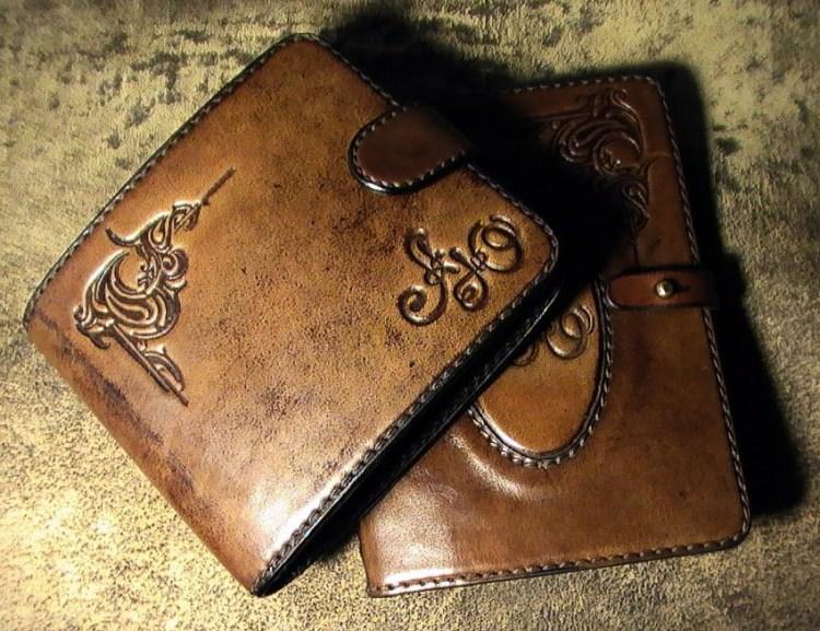 кожаное портмоне с именным тиснением