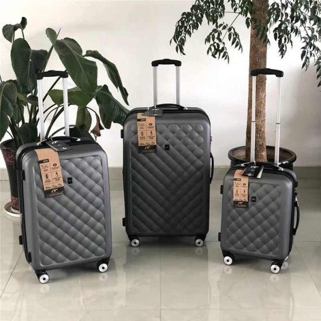 мужской чемодан