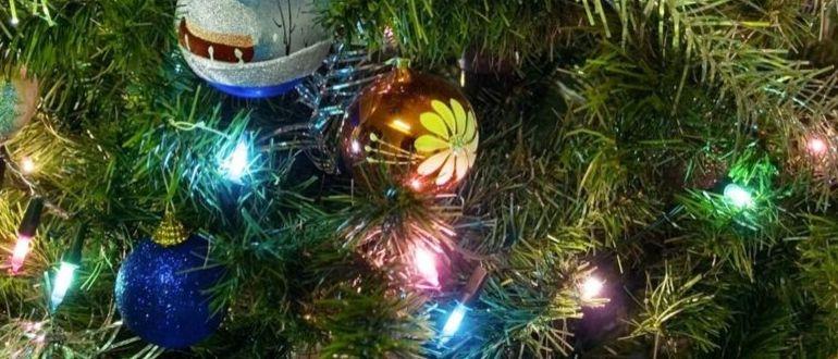украсить елку гирляндой