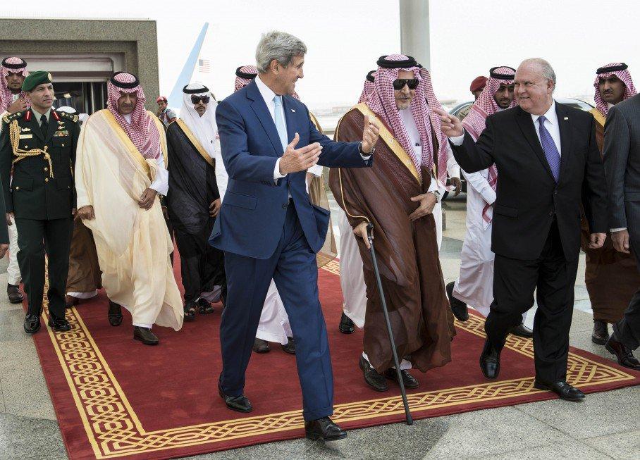 « À la poursuite de l'État islamique » : devinez qui est derrière le projet califat ?