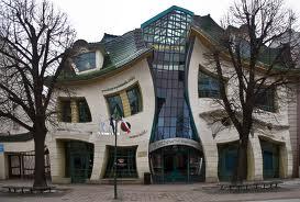 La maison tordue