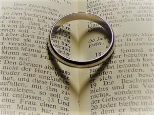 永遠を誓う結婚指輪