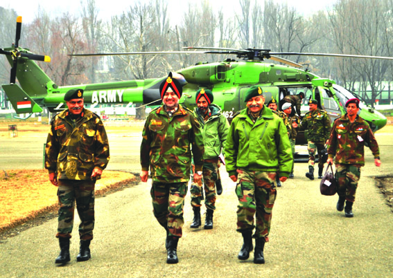 Northern army commander reviews security in valley
