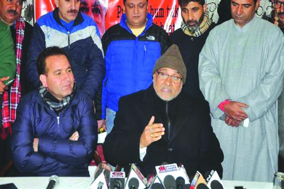 BJP slams PDP, NC for criticising Governor