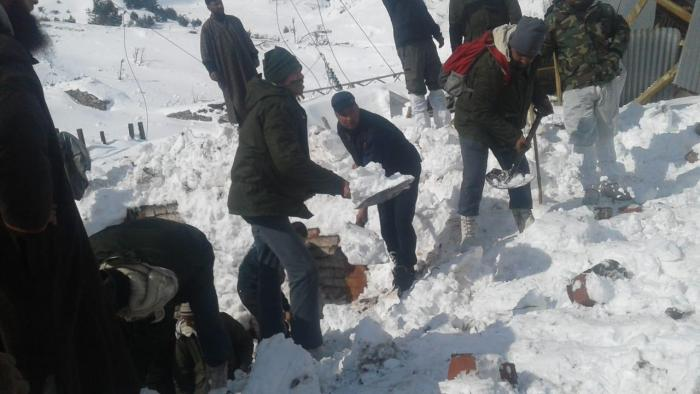 Jawahar Tunnel Avalanche: 3 cops found alive, 7 persons found dead; one still missing