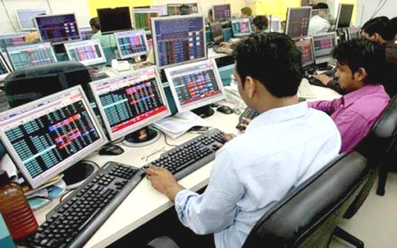 Sensex gains 127 pts, Nifty ends at 11624